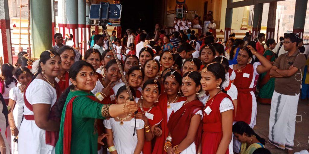 Students at Chidambaram huge Dancers gathering - Guiness Record